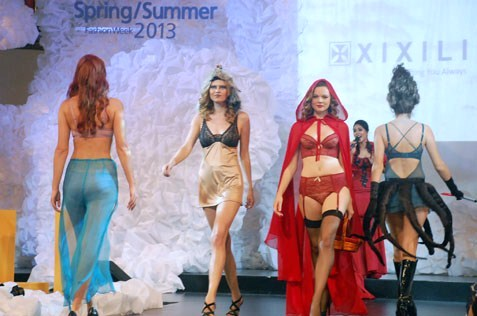 Xixili debuts her Spring/Summer 2013 intimates closet at Mid Valley Megamall Fashion Week 2013 in a fashion show of fairy tale opulence and contrasts.