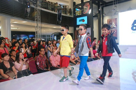 Kid models in Joy of Colours at ACA 3rd graduation show 2013