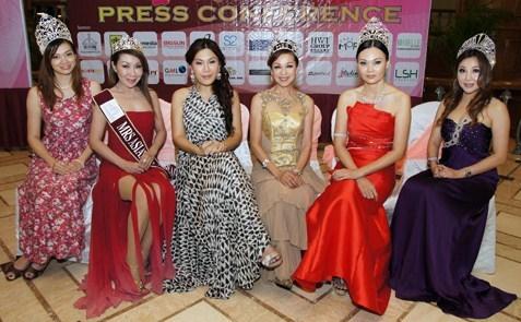 (L-R) Jessie Khoo, Datin Maylene Yong, Beverly Tan, Lim Swee Cheng, Jan Sit & Yvonne Kon