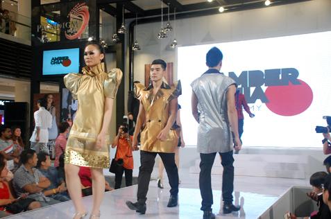 Models in Key Ng  fashion showcase at ACA 3rd graduation show 2013
