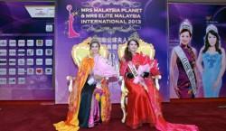 Mrs-Elite-Malaysia-Intl-2013-Tian-Lee-Na-left-Mrs-Malaysia-Planet-2013-Gin-Lim.