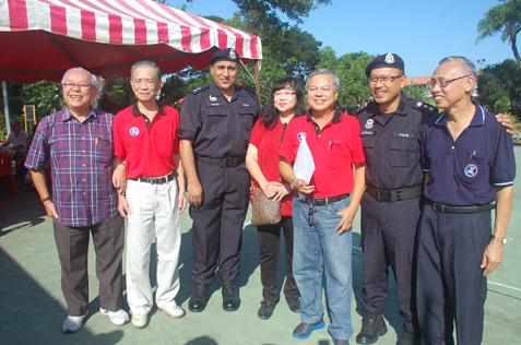 (L-R) Lim Theng Kau, Ngiam Chong Choy, Gunam, Wendy Chan, Willie Tan, Arjunaidi and Kong