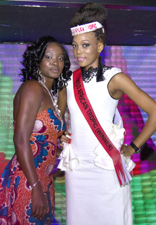 Arsike Camara (left) and Miss Africa Tropic 2013 Same Mercy Kooneeng