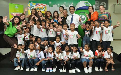 Dettol Spreads the Spirit of Ramadan Donating to MyKasih 2