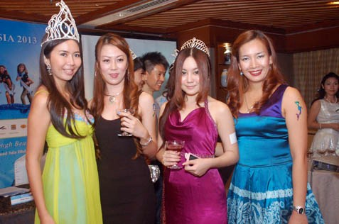 (L-R) June Yap, May Chia, Pinky Tan and Cindy Khen