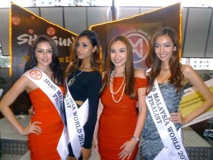 (L-R) Melinder Bhullar, Rubini Sambanthan, Dato' Anna Lim and Wafa Johanna de Korte