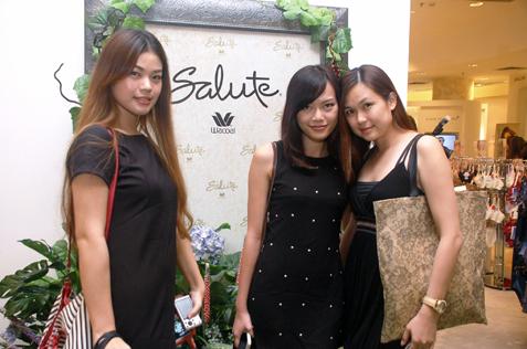 (L-R) Piong Li Mian, Caroline Ng & Nicole Lee