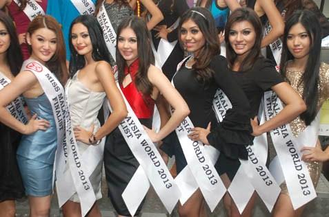 (L-R) Venus Tan, Kathrina, Sara Amelia Bernard, Sharmisttha, Manpreet Kaur and Estelle Sim