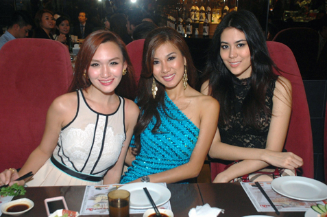 (L-R) Weena Marcus, Lee Yvonne and Chloe Chen