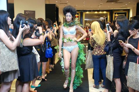 Wacoal Salute Reigning Supreme Showcase at Parkson Pavilion KL