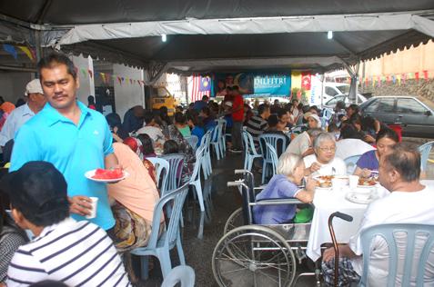 Flat Damansara Bistari Hari Raya open house