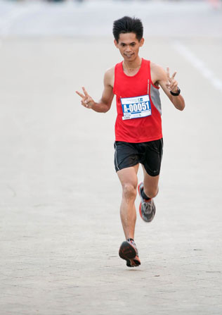 KL Marathon 2013 Malaysian Men winner Fabian @ Osmond Bin Daimor