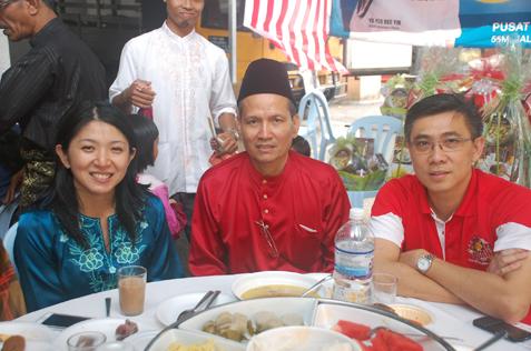 (L-R) Yeo Bee Yin, Abdul Samad Abdul Rashid & Lee Suet Sen