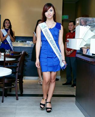 Miss-Scuba-Malaysia-2013-finalist-Summer-Liew-at-Aunty-Su-kopi-bistro.jpg