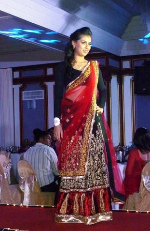 Devia Haresh Kumar is Miss Saree Malaysia 2013