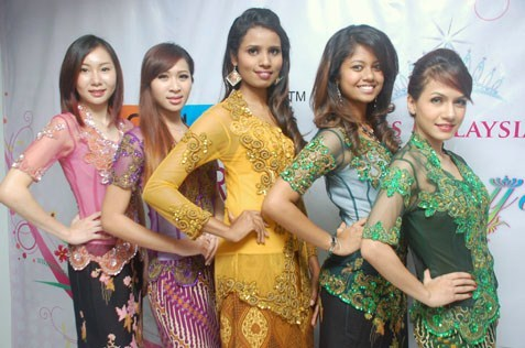 Some of the semi-finalists of Miss Wilayah Kebaya 2013 posing at a press conference. From left are Evonne Teo, Nasha Zaidi, Jayanthi, Rupini and Cyma Aziz.