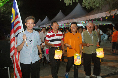 (L-R) Pastor Reynold Lim (TCS), SS2 RA committee Lee Yoon Hen, MBPJ councillor Tony Cheong and SS2 RA adviser Lim Theng Kau