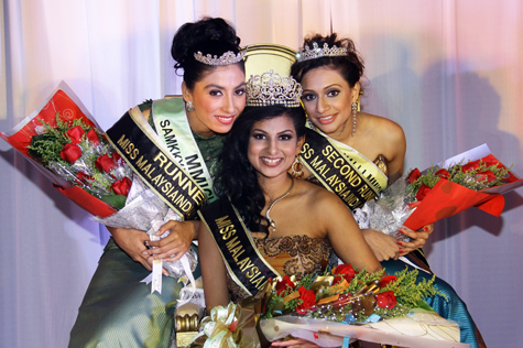Sangheetaa Phary (centre) with first runner up Arveen Kaur (left) and second runner up Venagary Rajee (right)