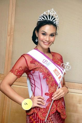 Miss Wilayah Kebaya 2013 winner -  Sunshine Aileen Devi Eric