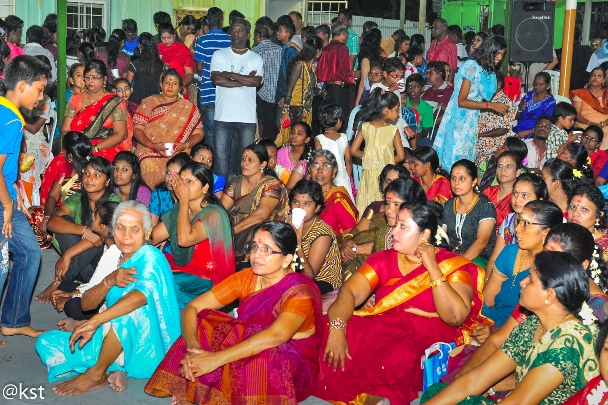 Devotees at the Vijayadasami on 14th Oct at the Raja Rajeswari Temple
