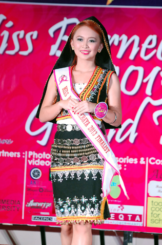 Best Ethnic Costume - Elfira Edwin