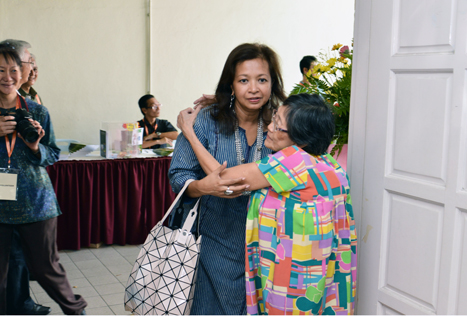 Datin Paduka Marina Mahathir giving a hug to Barbara Yen