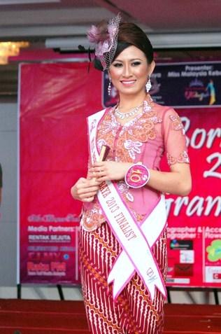Kueh Mei Fung - Miss Borneo Kebaya 2013