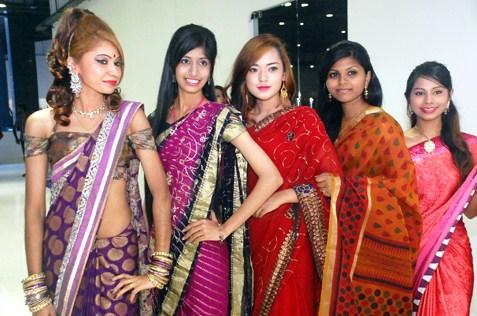 (L-R) Rathi Bhatia, Melvinder Kaur, Nurul Huda, Vevitera & Elizabeth Aarti