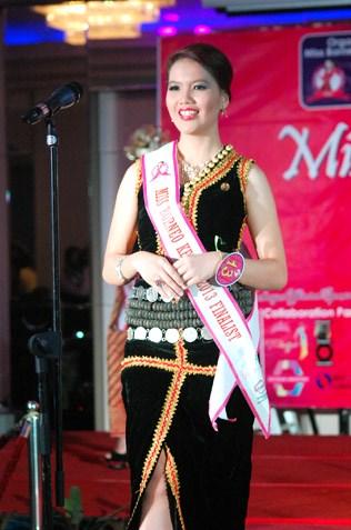 Sophie Jenne Chua - Miss Borneo Kebaya 2013 3rd runner-up