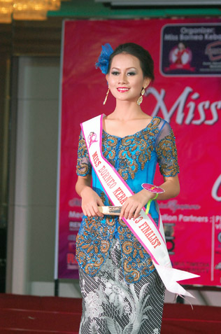 Vyrazonah Valerian - 1st runner-up Best Ethnic Costume, Miss Photogenic & Miss Best Catwalk