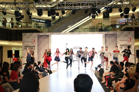 Asia New Star Model 2014 Face Of Malaysia 14 finalists perform a dance
