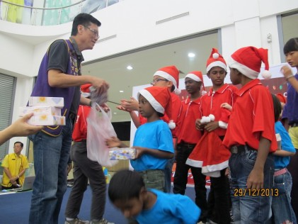 More gifts for the children were handed out