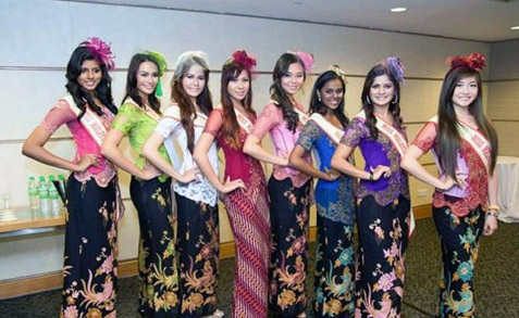 MMK 2013 finalists (L-R) Dawina Naidu, Sunshine Eileen Dewi, Massuhaella, Nasha Afra Zaidi, Ann Soe, Geethananthini, Vanessa Cruez and Anita Lee