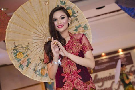 Miss Malaysia Kebaya 2013 first runner-up Maryanne Lee
