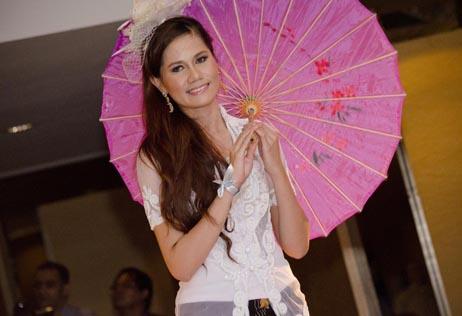 Miss Malaysia Kebaya 2013 second runner-up Massuhaella Binti Mohd Idris
