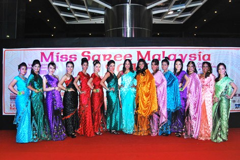 Miss Saree Malaysia 2013 finalists at Dataran Underground KL