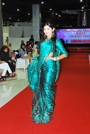 Miss Saree Malaysia 2013 first runner-up Vanessa Cruez