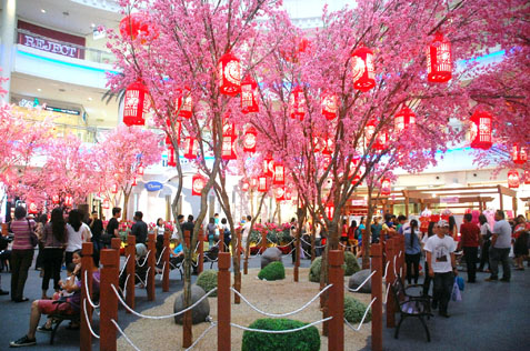 Cherry blossom themed decoations @ The Curve Centre Court