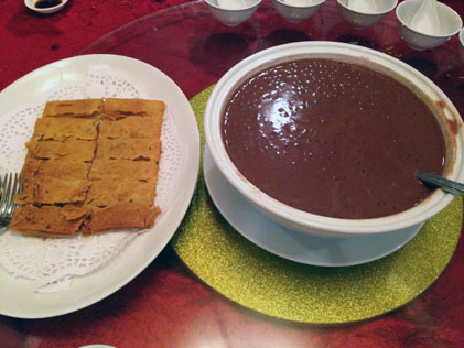 Shanghai pancake and sweet red bean cream with snow sago