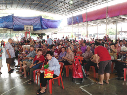 Senior citizens at the annual chairity donation gifts event hosted by Yuen Leong Sing Fatt Temple, Kg Cempaka, PJ