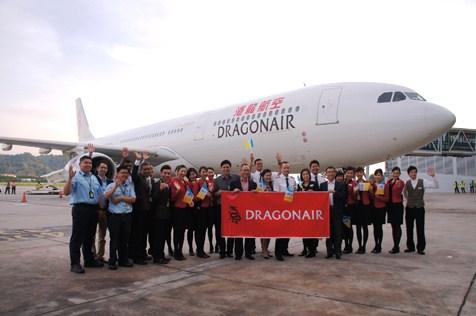 Dragonair HK-Penang flight A-691 welcome group at Penang airport on 30Mar14