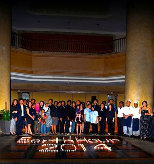Hotel Armada staff and guests at Earth Hour 2014