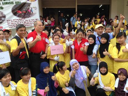 The thumbs up to clean Inilah Tempatku program at Sg Way New Village