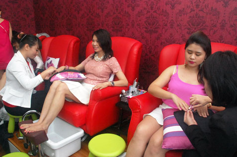 Customers getting their nails spiffed up at Bmic Nail Spa Salon Pavilion KL