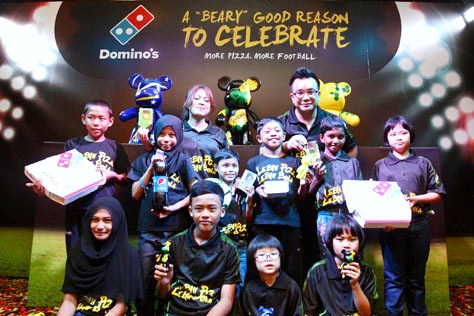 Domino's Pizza Malaysia celebrate launch of Popobe® Bola Bears with children from children's home