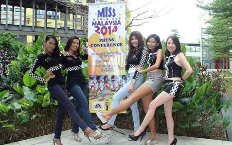 (L-R) Noniey, Puteri Laila, Mabel Tang, Moon Yee and Daryl Khoo