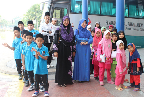 The orphans and their caretakers from Rumah Amal Suci Rohani arriving at eCurve for the Buka Puasa event.