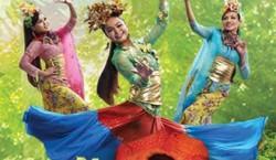 eCurve blooms with Mekar Raya festivities