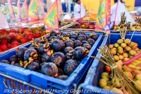 Fruit offerings for the Hungry Ghosts (2)
