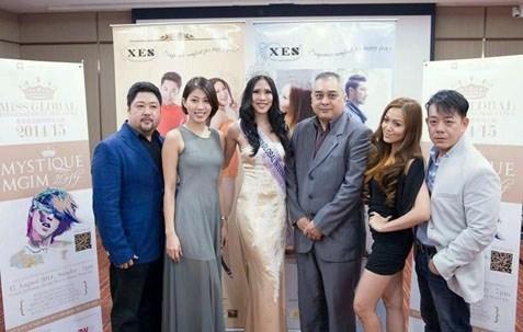 (L-R) Jackson Goh, Marlene Lim, Charissa Chong, Shaun, Sabrina and Joe